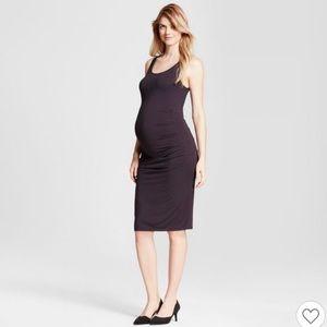 Black sleeveless maternity dress
